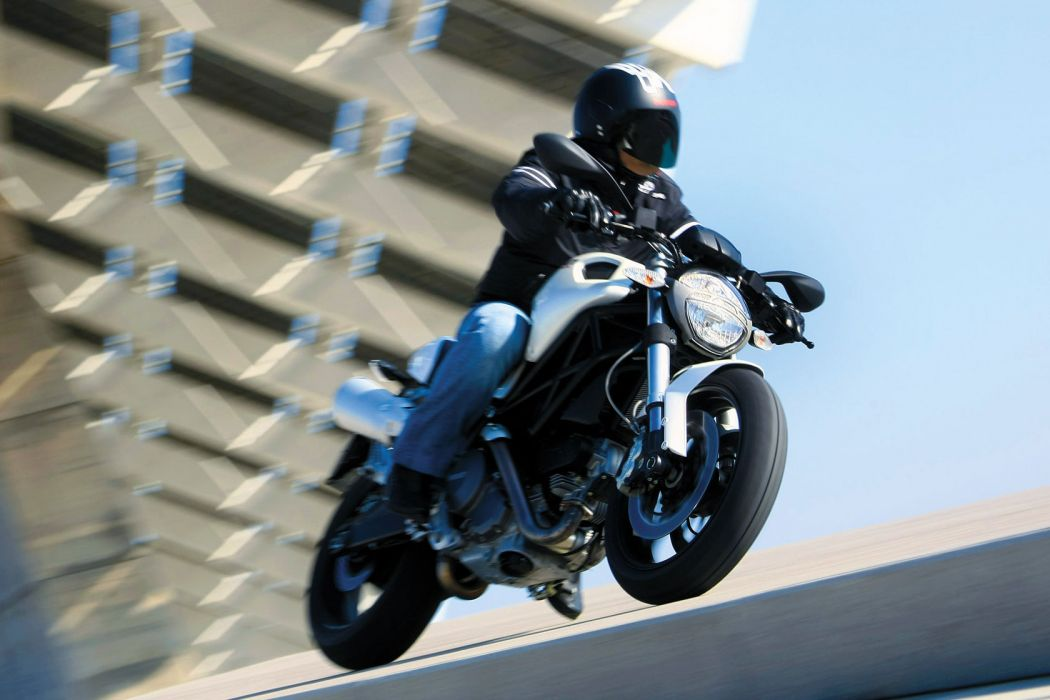 2009 Ducati Monster 696     g wallpaper