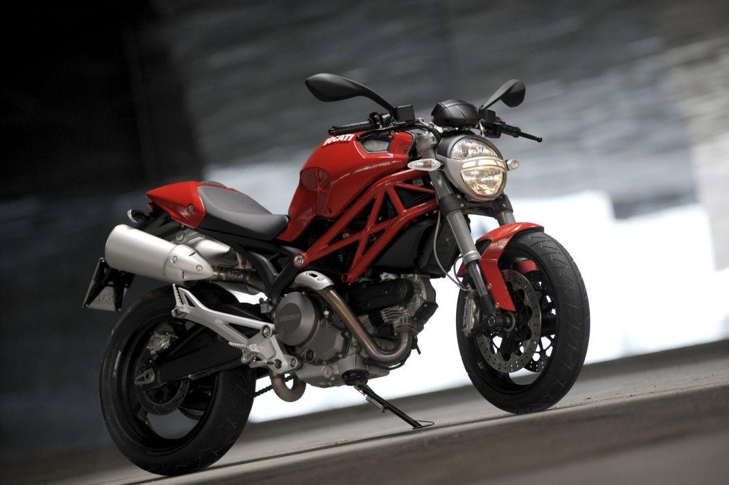 2009 Ducati Monster 696 wallpaper