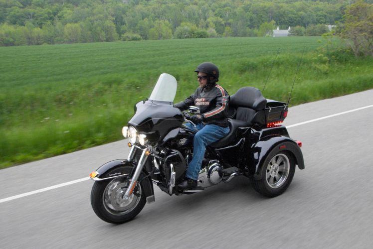 2009 Harley Davidson Tri Glide Ultra Classic FLHTCUTG f wallpaper