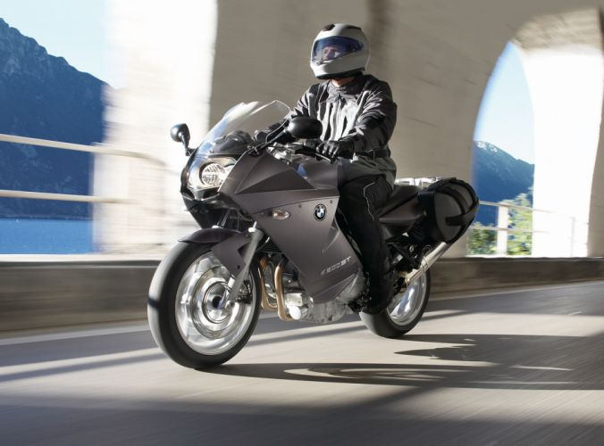 2010 BMW F800ST wallpaper
