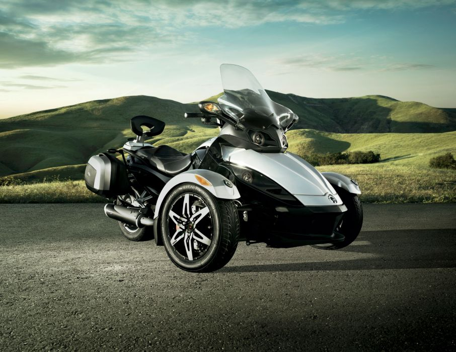 2010 Can-Am Spyder R-S Roadster wallpaper