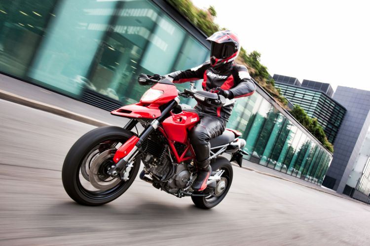 2010 Ducati Hypermotard 1100 EVO wallpaper