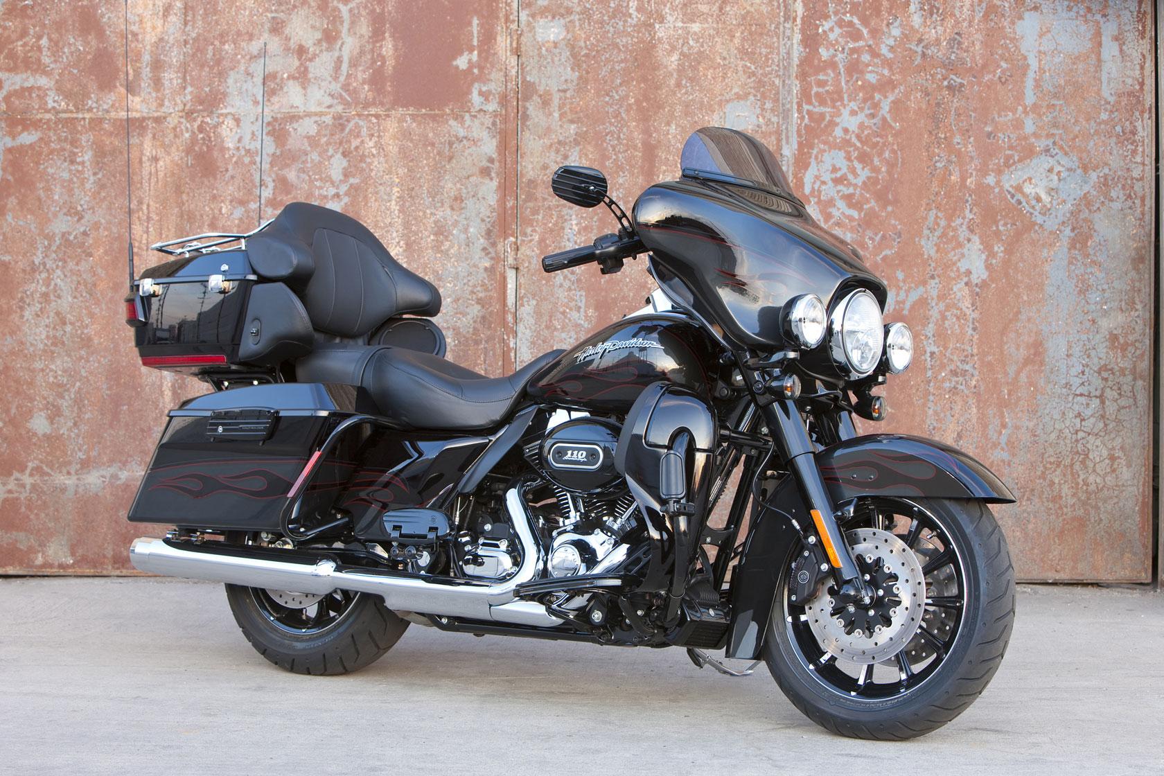 2010 Harley Davidson CVO Ultra Classic Electric Glide Dark