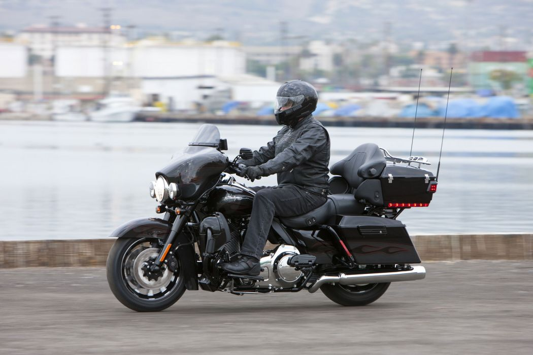 2010 Harley Davidson CVO Ultra Classic Electric Glide Dark Side Limited Edition wallpaper
