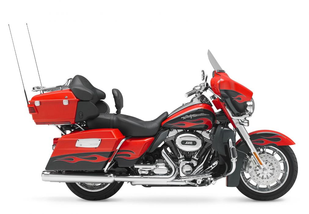 2010 Harley Davidson CVO Ultra Classic Electric Glide FLHTCUSE5   f wallpaper