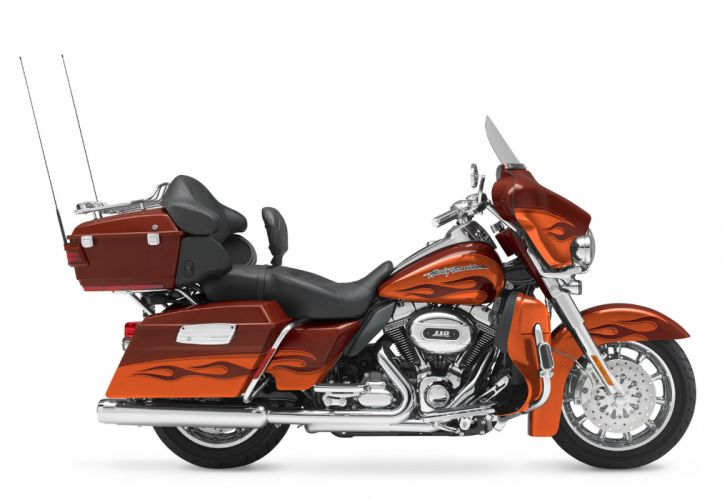 2010 Harley Davidson CVO Ultra Classic Electric Glide FLHTCUSE5 wallpaper