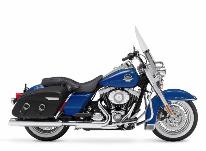 2010 Harley Davidson Road King Classic FLHRC wallpaper