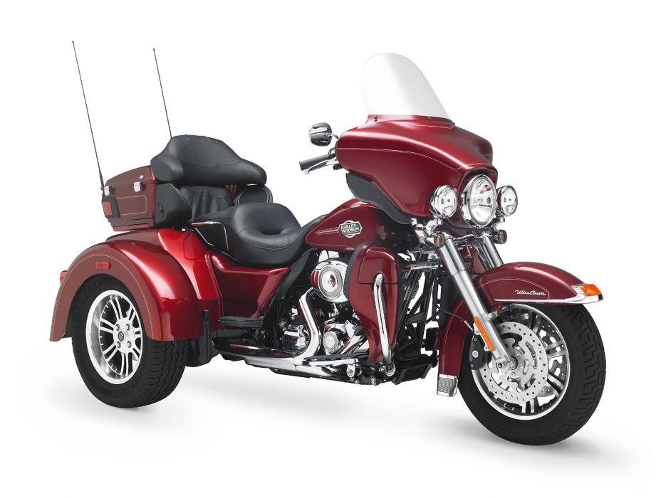 2010 Harley Davidson Tri Glide Ultra Classic FLHTCUTG   f wallpaper