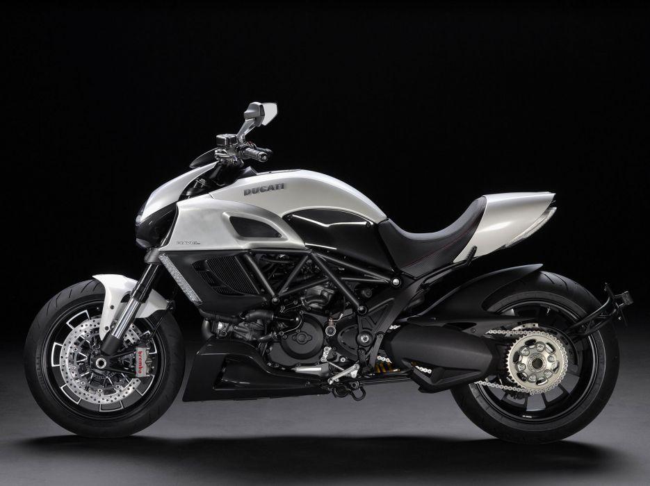 2011 Ducati Diavel wallpaper