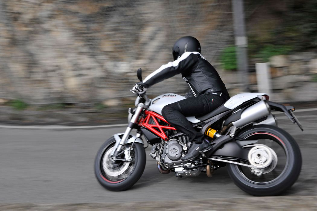 2011 Ducati Hypermotard 796 wallpaper