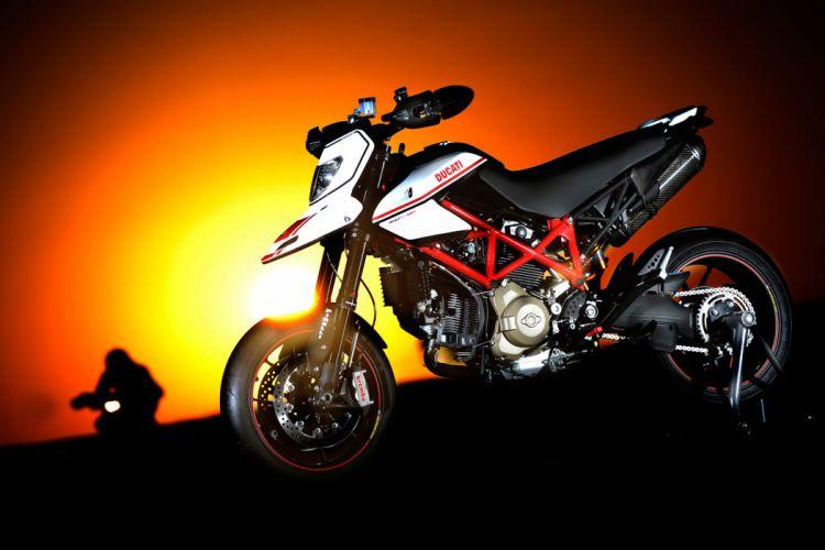 2011 Ducati Hypermotard 1100 EVO S-P wallpaper