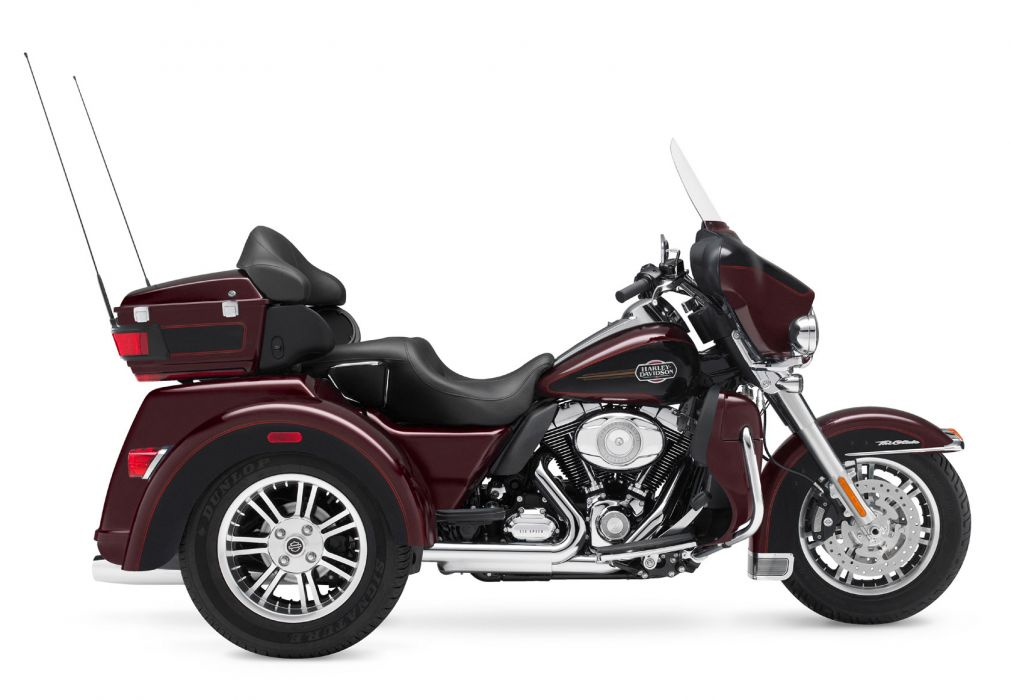 2011 Harley Davidson FLHTCUTG Tri Glide Ultra Classic   f wallpaper