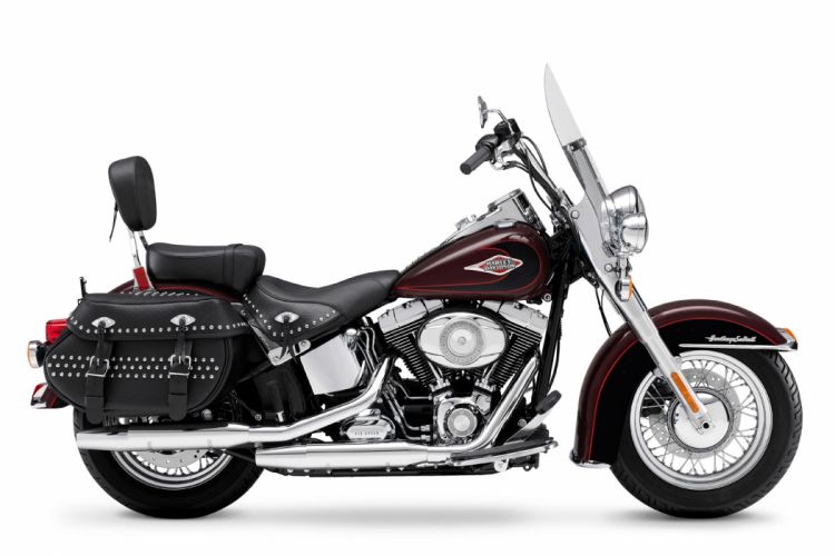 2011 Harley Davidson FLSTC Heritage Softail Classic wallpaper