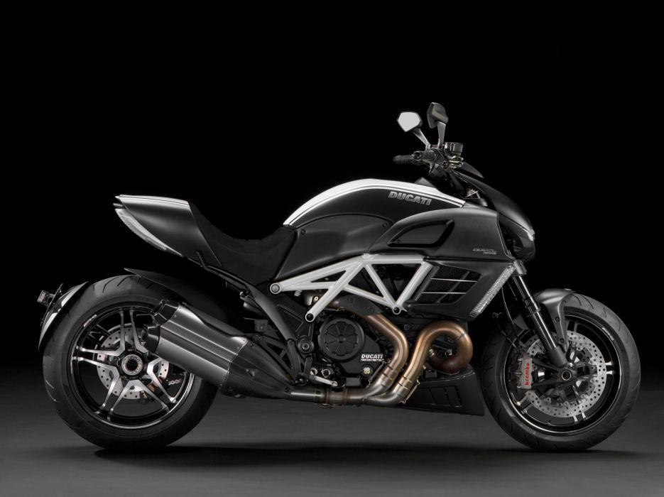 2012 Ducati Diavel AMG Special Edition   g wallpaper