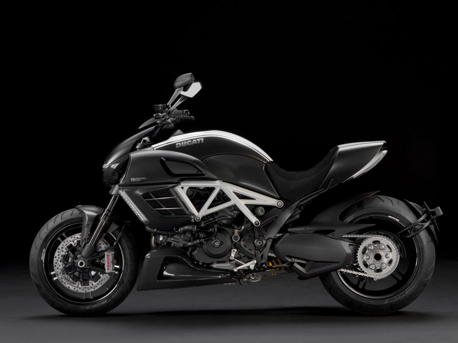 2012 Ducati Diavel AMG Special Edition wallpaper