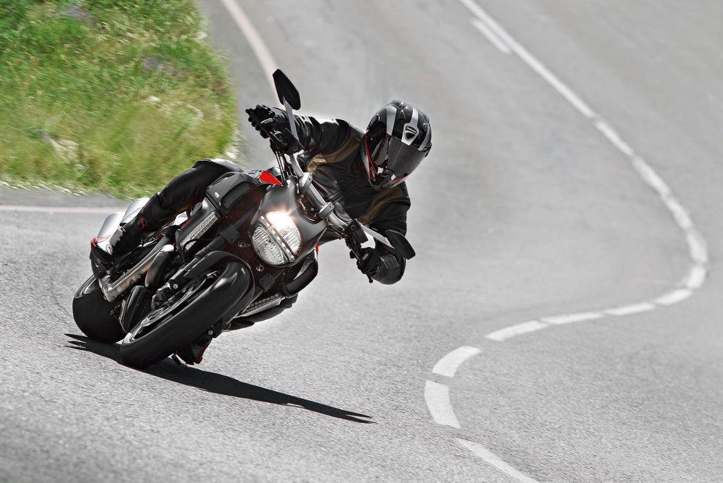2012 Ducati Diavel Carbon   w wallpaper