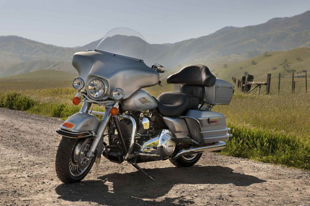 2012 Harley Davidson FLHTC Electra Glide Classic wallpaper