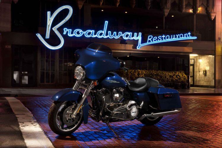 2012 Harley Davidson FLHX Street Glide wallpaper