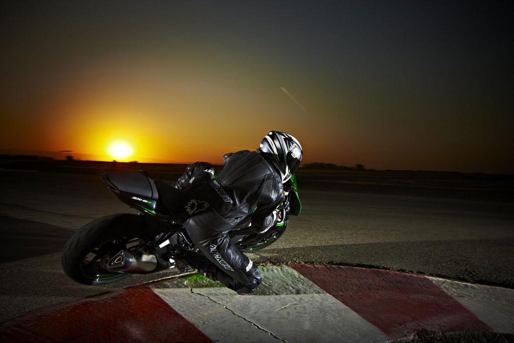 2010 Kawasaki Ninja ZX-6R    s wallpaper