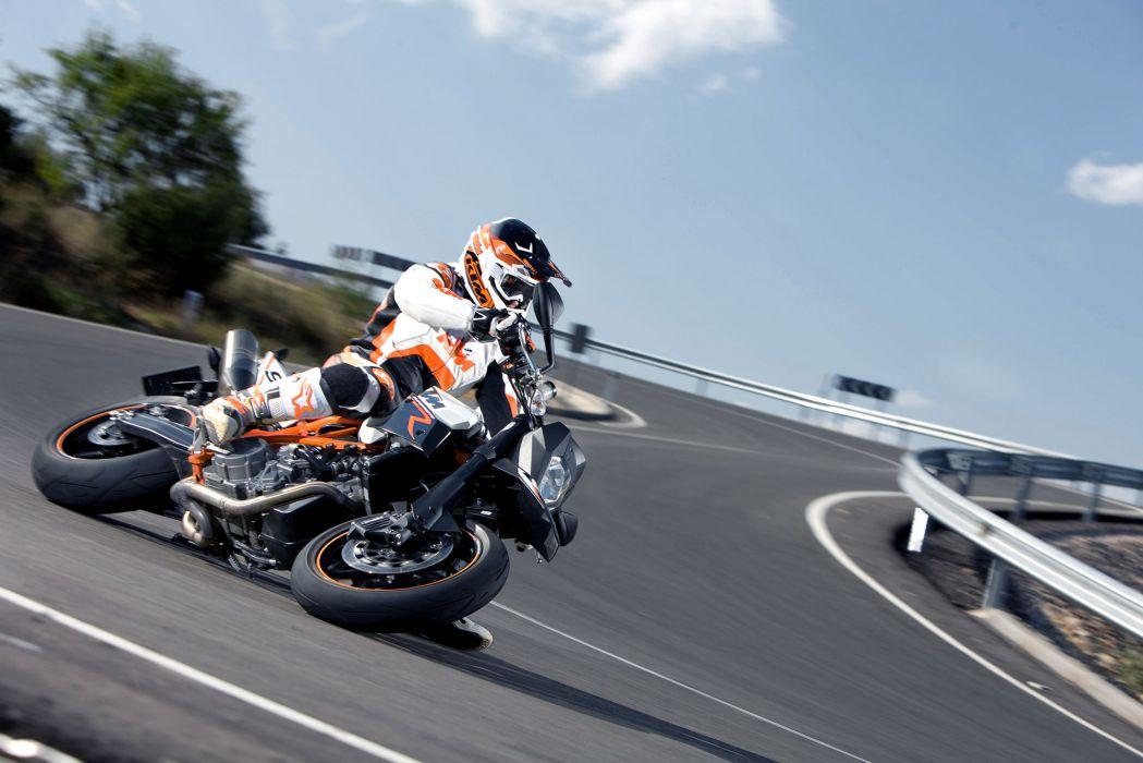 2012 KTM 990 SMR wallpaper