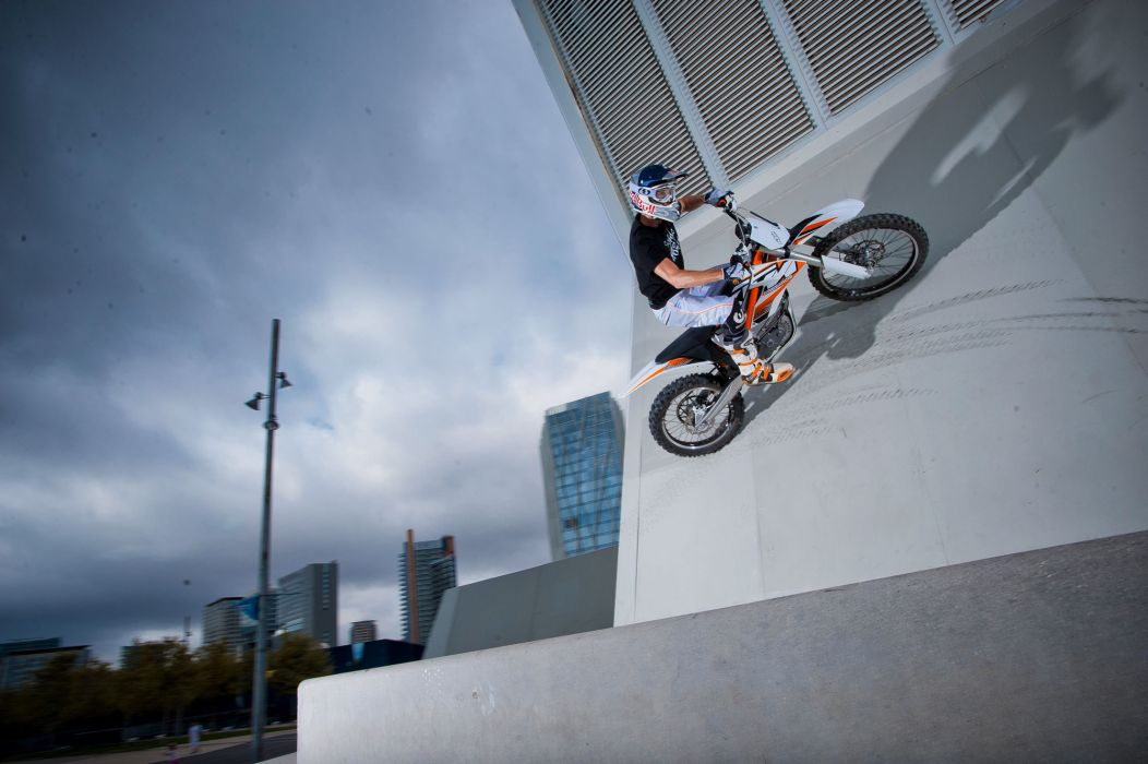 2012 KTM Freeride-E   f wallpaper