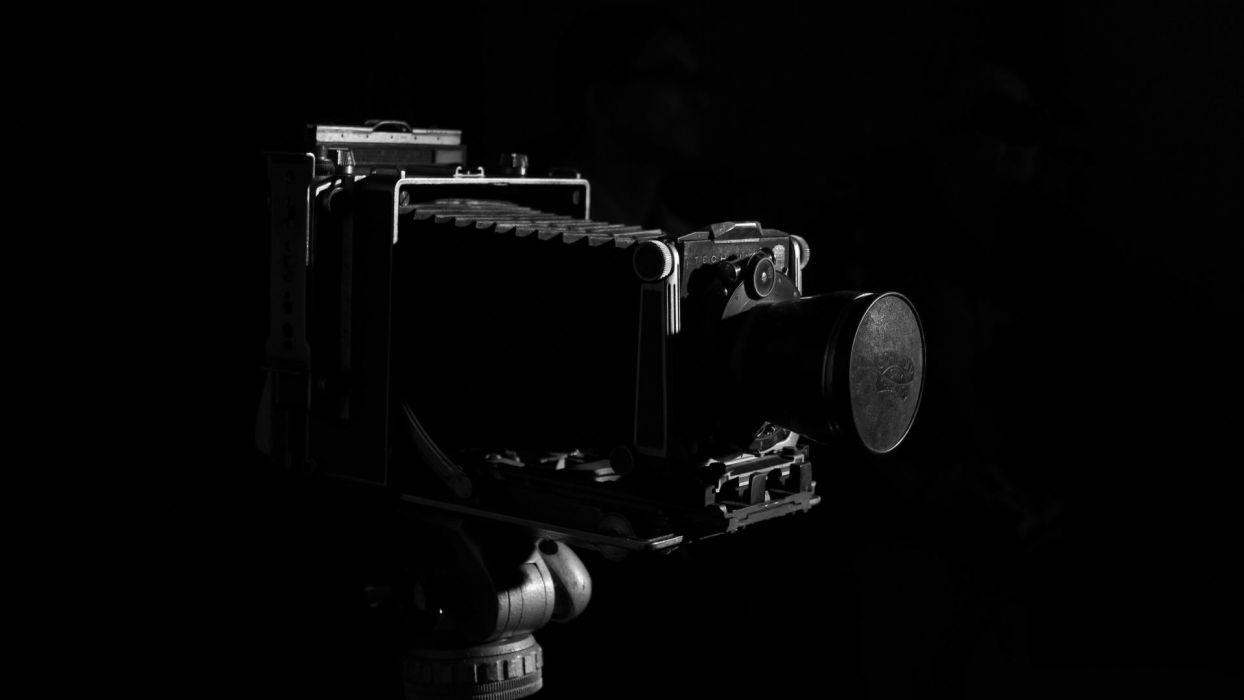 Camera B-W Black wallpaper