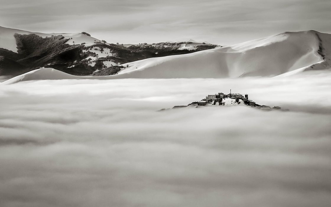 Fog Mist Landscape Mountains Snow B-W winter wallpaper