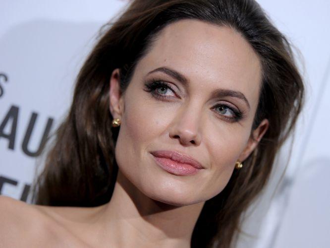 Angelina Jolie actress brunette girl girls women female females f wallpaper