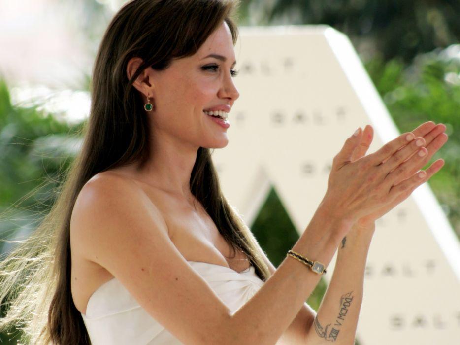 Angelina Jolie actress brunette girl girls women female females    e wallpaper