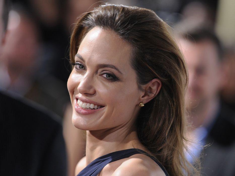 Angelina Jolie actress brunette girl girls women female females t wallpaper