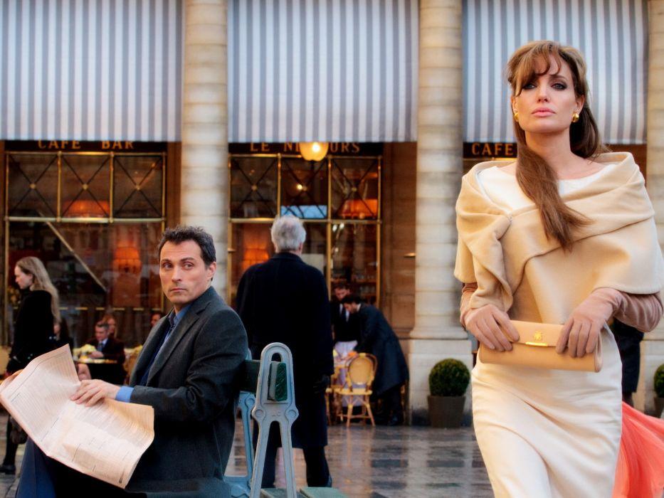 Angelina Jolie actress brunette girl girls women female females tourist movies  f wallpaper