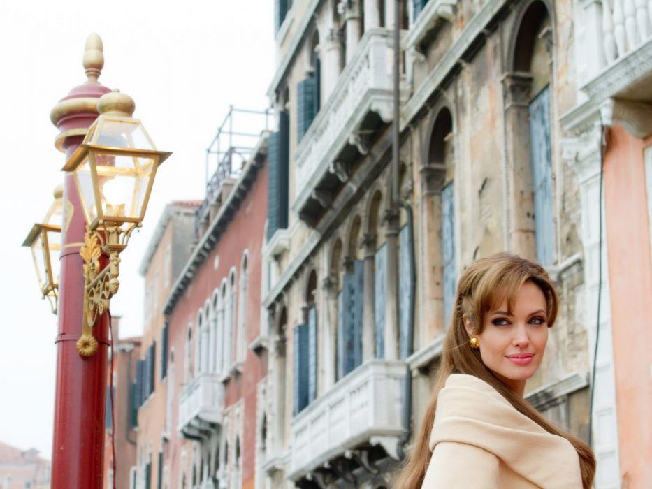 Angelina Jolie actress brunette girl girls women female females tourist movies wallpaper