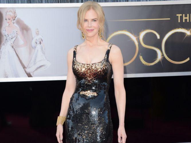 Nicole Kidman actress women female females girl girls blonde blondes q wallpaper