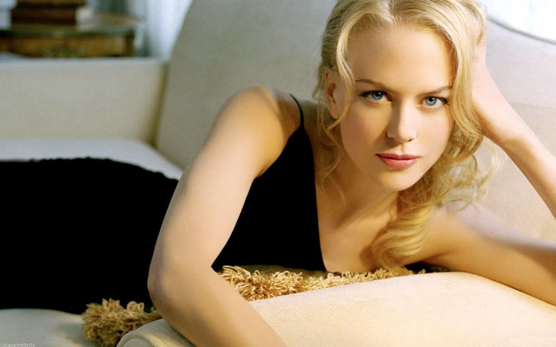 Nicole Kidman actress women female females girl girls blonde blondes redheads rehead     a wallpaper