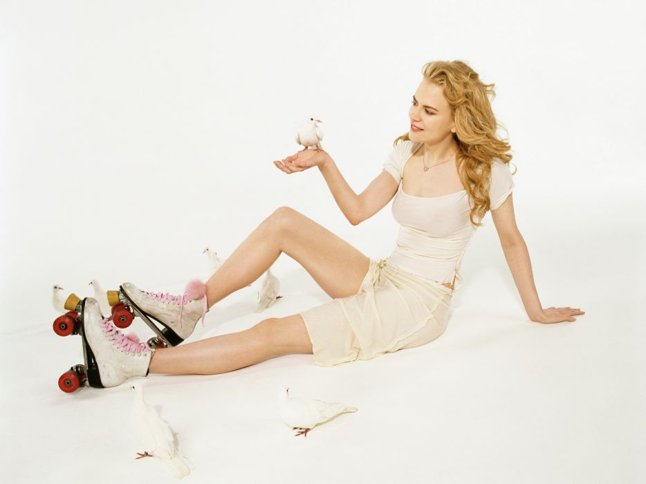 Nicole Kidman actress women female females girl girls blonde blondes redheads rehead wallpaper