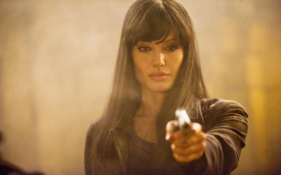 SALT Angelina Jolie actress brunette girl girls women female females movie movies weapon weapons gun guns pistol  t wallpaper