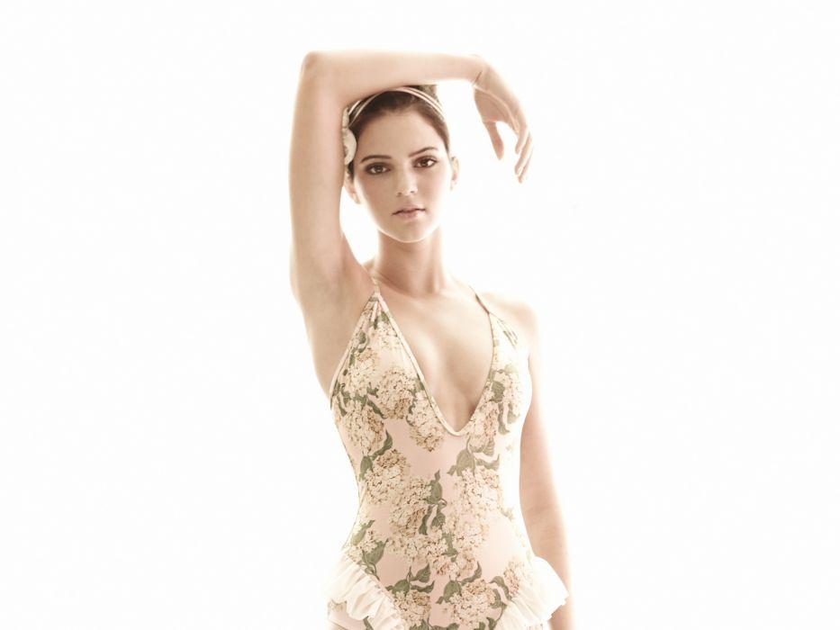 Kendall Jenner model models brunette brunettes women female females girl girls c wallpaper
