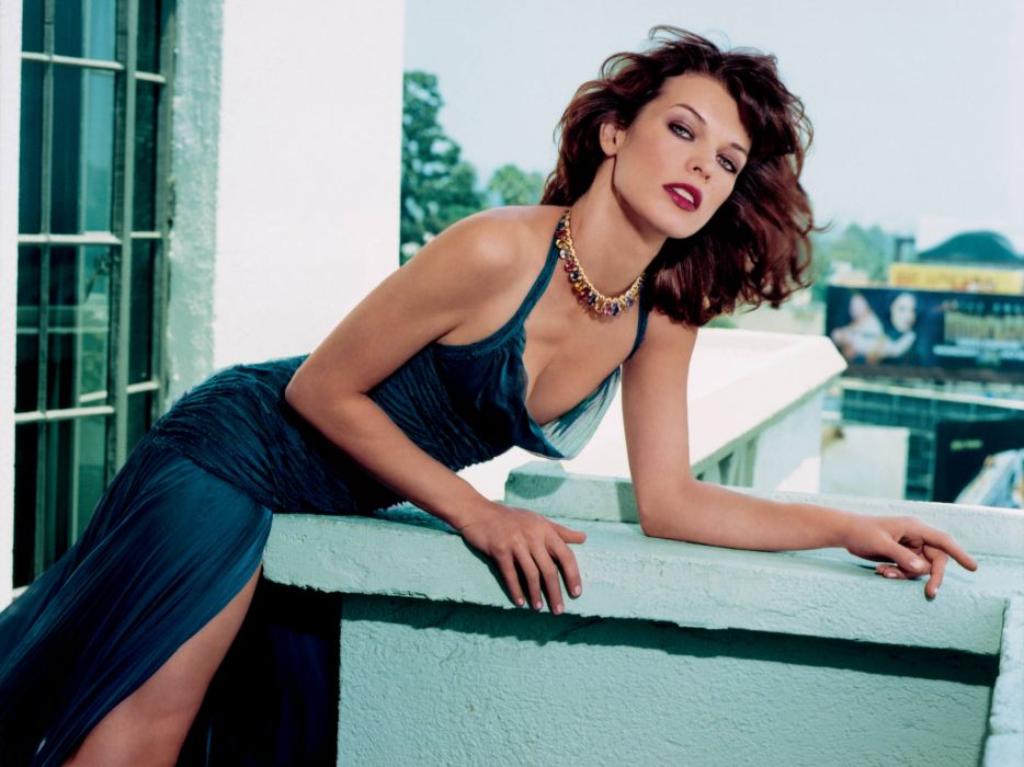 Milla Jovovich actress brunette brunettes women female feamles girl girls    g wallpaper