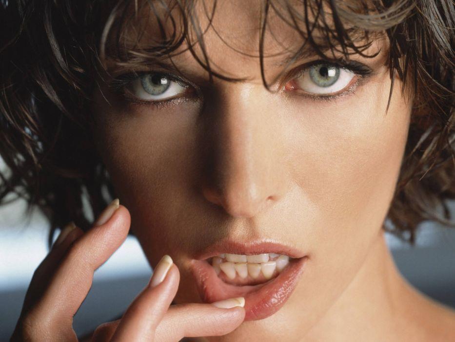 Milla Jovovich actress brunette brunettes women female feamles girl girls i wallpaper