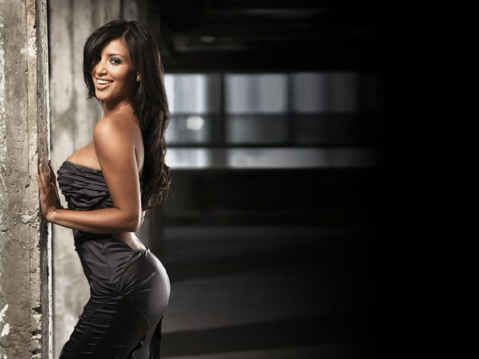 Kim Kardashian women female females      t wallpaper