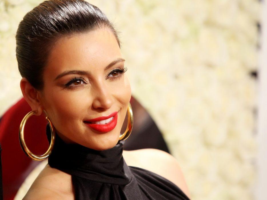 Kim Kardashian women female females      f wallpaper