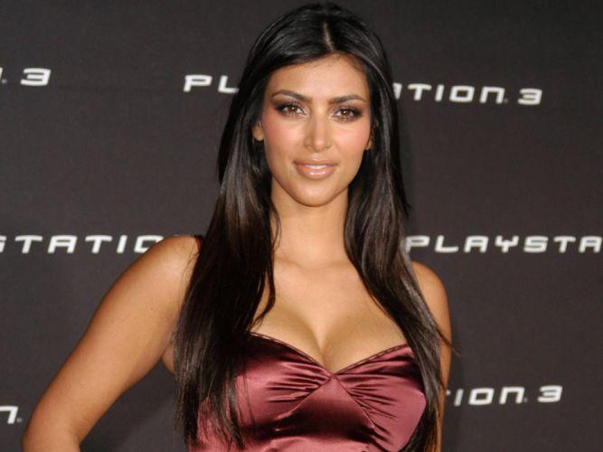 Kim Kardashian women female females k wallpaper