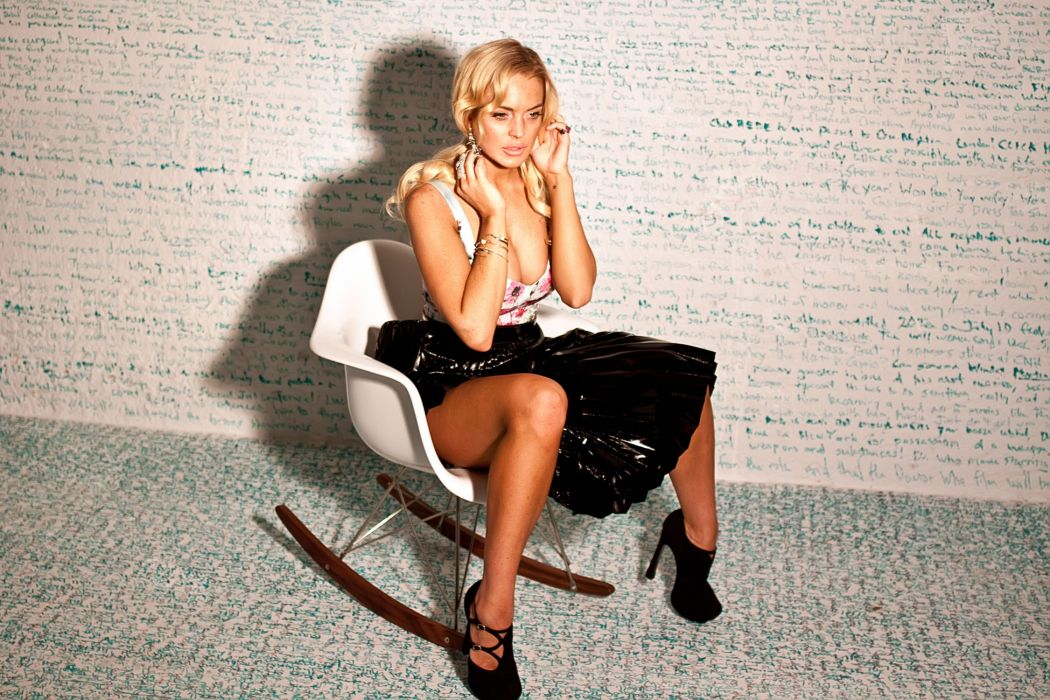 Lindsay Lohan actress women woman females female        d wallpaper