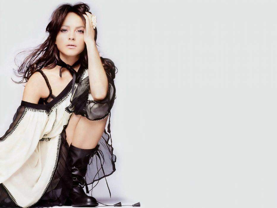 Lindsay Lohan actress women woman females female    a wallpaper