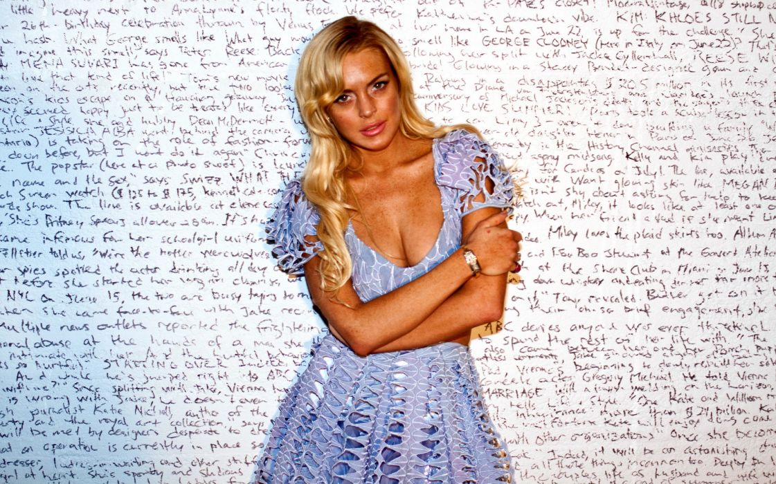 Lindsay Lohan actress women woman females female girls girl       a wallpaper