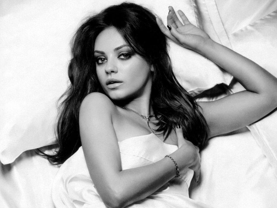 Mila Kunis actress brunette brunettes women female females      f wallpaper