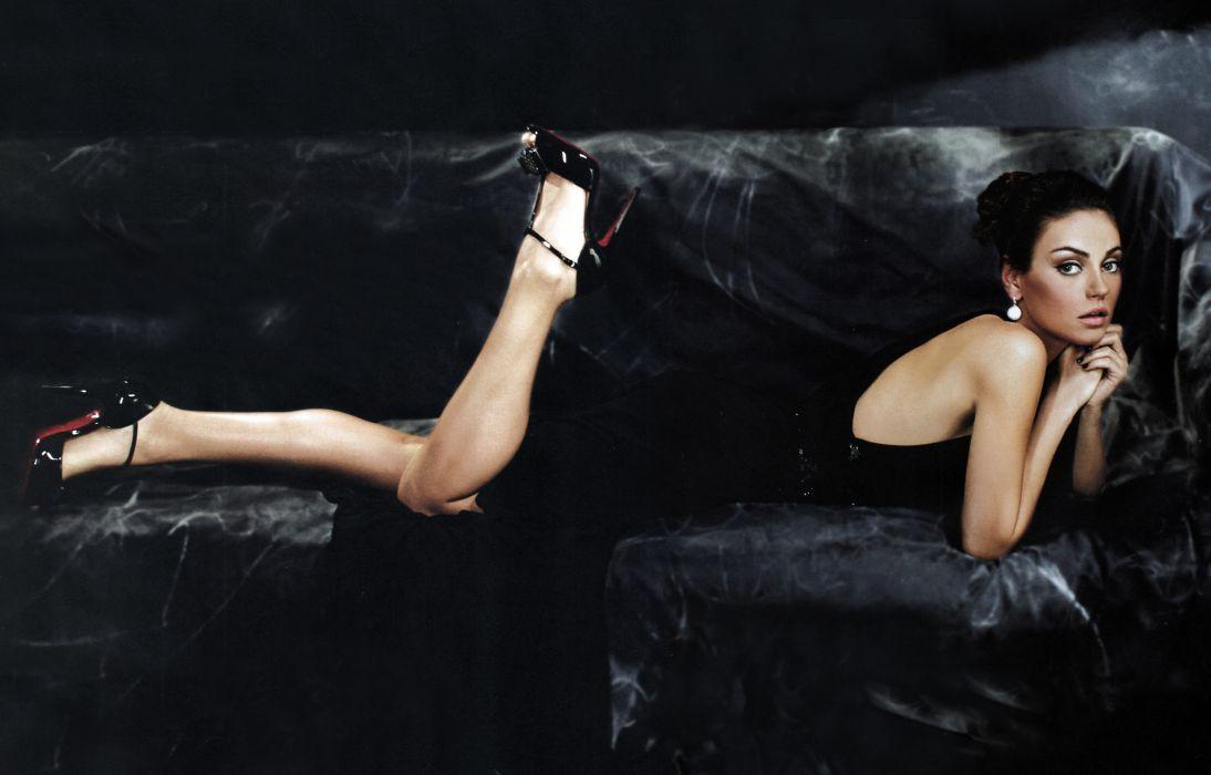 Mila Kunis actress brunette brunettes women female females      u wallpaper
