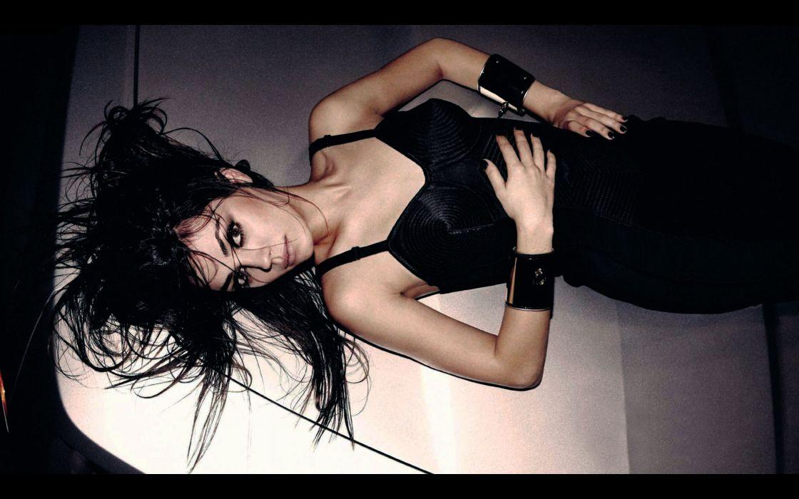 Mila Kunis actress brunette brunettes women female females      i wallpaper