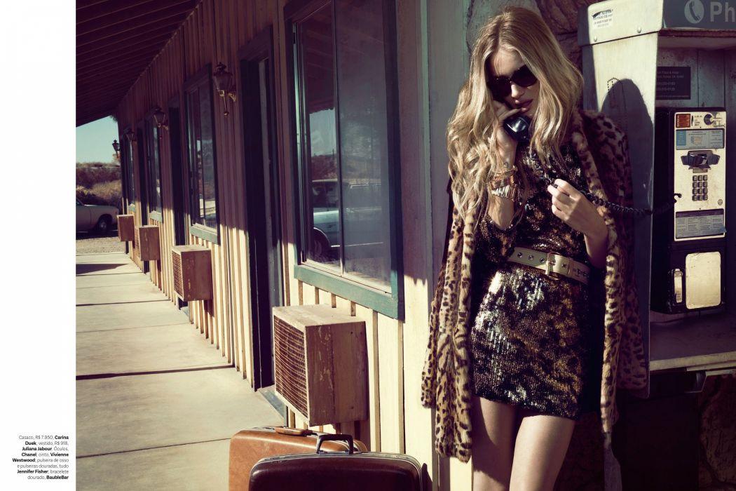 Rosie Huntington-Whiteley Whiteley model models women female females  f wallpaper
