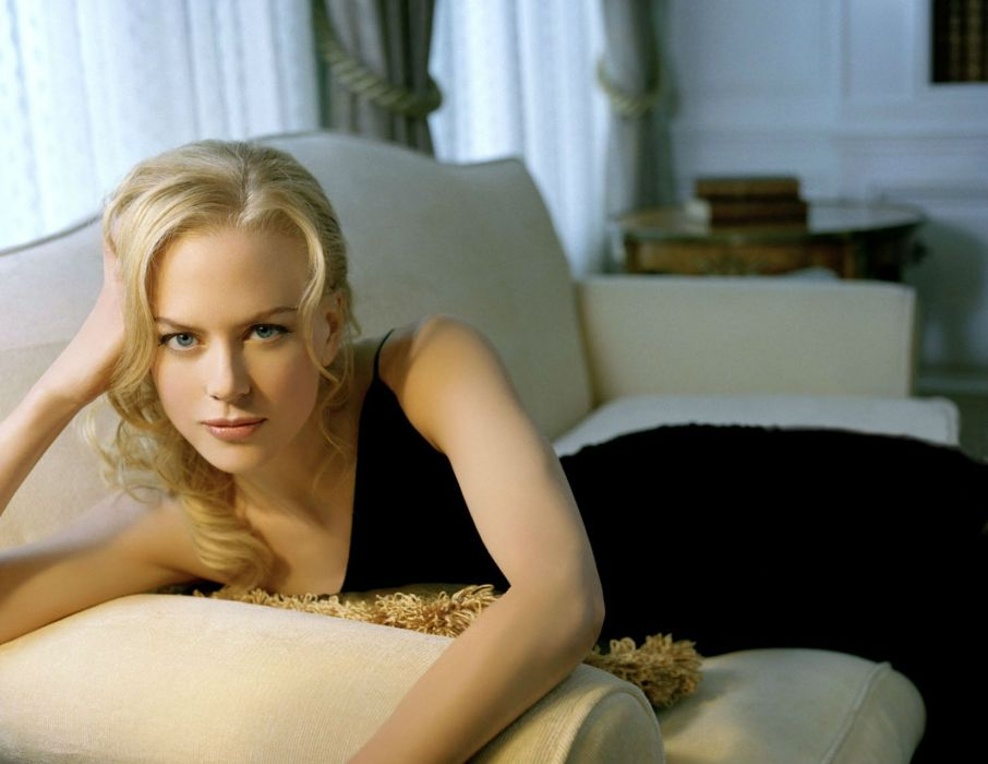 Nicole Kidman actress women female females girl girls blonde blondes redheads rehead     o wallpaper